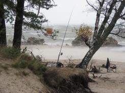 Debesis griežas kopā ar jūru, bet jātrenējas nākošnedēļas copes sacensībām Kolkā ir. 27.10.2019 B.Šuvcānes foto