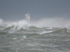 Tur, aiz mākoņiem ir kuģis. 16.09.2019 B.Šuvcānes foto