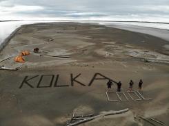 Crazy Flying Latvians TM sveicina Kolku no vientuļas salas Jukonas upē Aļaskā. Mūsējie ir visur! (Un nē, tas nav fotošops. Un tas nav arī Kolkasrags.) 27.07.2018