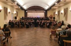 Latvijas orķestru asociācijas festivāla koncerts ar vairāk nekā 100 orķestrantiem Kolkas tautas namā. 29.11.2019